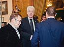 Александр Артамонов Денис Волжанин