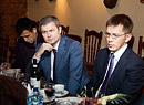 Виталий Науменко Алексей Охлопков Данис Юмабаев